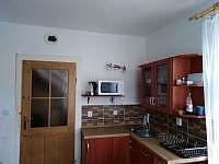 Kuchyňka - chalupa k pronájmu Bečov nad Teplou