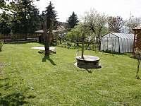 Zahrada - chalupa k pronajmutí Stropčice