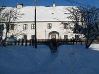 Chalupa v zimě - ubytování Prameny
