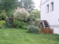 zahrada s mlýnským kolem