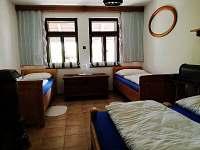 pokoj v přízemí - chalupa ubytování Meclov