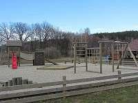 dětské hřiště v obci Babylon