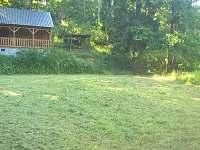 Chata na Hracholuské přehradě