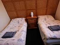 Druhá ložnice s oddělenými lůžky (horní patro)
