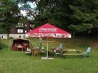 zahrada - chata ubytování Bečov nad Teplou