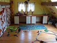 Horní dětský pokoj - pohled 1