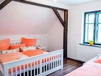 ložnice s 3 lůžky jednolůžko a dvojlůžko