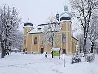 Kostel Sv.Vavřince. - pronájem chalupy Horní Blatná