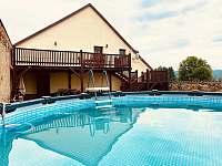 Vyhřívaný bazén - pronájem chalupy Smederov