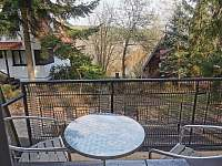 výhled z balkonu - chata ubytování Pňovany