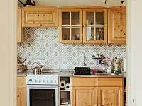 kuchyňská linka - apartmán k pronajmutí Kašperské Hory