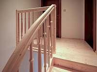 schodiště apartmán č. 1 - pronájem Milhostov u Mariánských Lázní