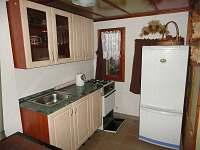 Kuchyně 2 - pronájem chaty Plasy