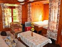 Obývací pokoj 2 - chata k pronájmu Plasy