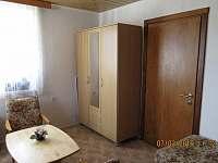 Ložnice se samostatnými postelemi - pronájem chalupy Bystřice