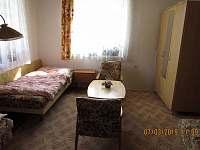 Ložnice se samostatnými postelemi - chalupa ubytování Bystřice