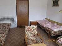 Ložnice se samostatnými postelemi - chalupa k pronájmu Bystřice
