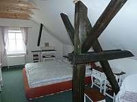 Dvoulůžkový pokoj s vlastní koupelnou a možností přistýlky - Krsy