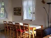 Společenská místnost s kuchyní - Krsy