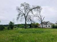 dům zvenku - chalupa ubytování Ptenín - Újezdec