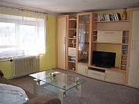 obývací pokoj - chalupa ubytování Ptenín - Újezdec