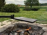 ohniště - chalupa k pronájmu Ptenín - Újezdec