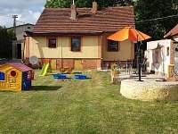 zahrada - chalupa ubytování Vysoká Libyně