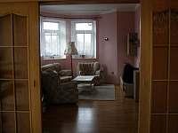 obývací pokoj - pronájem rekreačního domu Dolní Žandov
