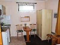 Malý apartmán - kuchyňský kout - ubytování Karlovy Vary - Doubí