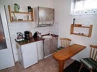 Malý apartmán - kuchyňský kout - k pronájmu Karlovy Vary - Doubí