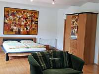 Sezení v ložnici v přízemí - Krásno - Dolní Hluboká