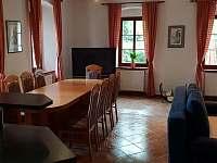 Sezení v obývací kuchyni - Krásno - Dolní Hluboká