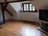 Studio v podkroví - chalupa k pronajmutí Krásno - Dolní Hluboká