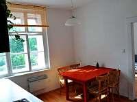 Jídelní stůl (malý apartmán) - k pronajmutí Bečov nad Teplou
