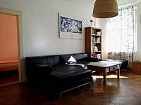 Obývací pokoj ve velkém apartmánu 1 - Bečov nad Teplou